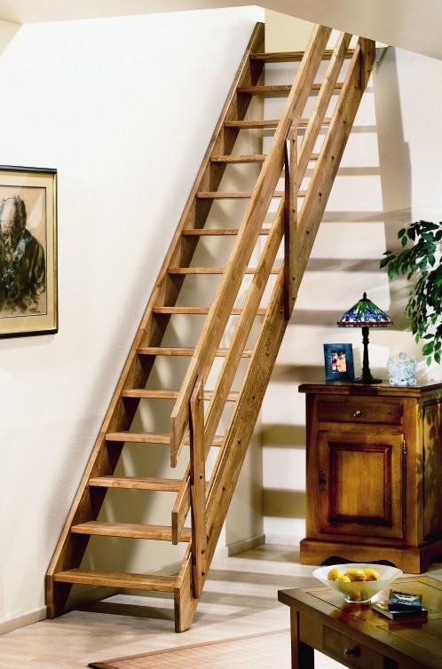 Stalen trap hera eigentijdse trap met dubbel afgeronde treden for Goedkope trappen op maat
