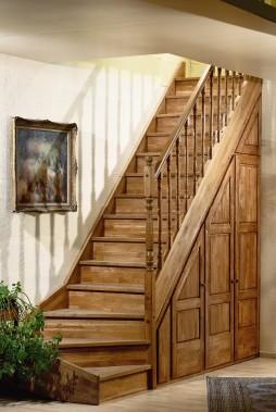 Stalen trap hera eigentijdse trap met dubbel afgeronde treden for Zelf zoldertrap maken