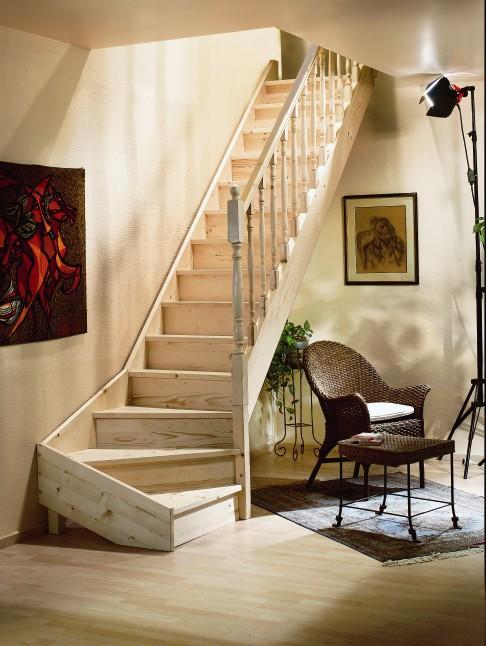 Vuren houten trap jura for Stootborden trap maken
