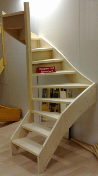 Doe het zelf trap de maattrap - Maak een mezzanine op de zolder ...