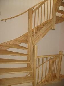 grenen houten trappen