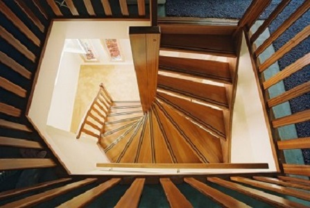iroko houten trappen boven