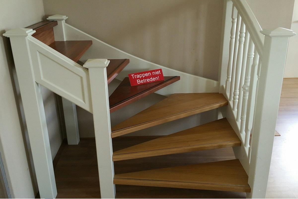 Trap op maat nodig maatkracht trappen heeft voor u altijd for Houten vaste trap