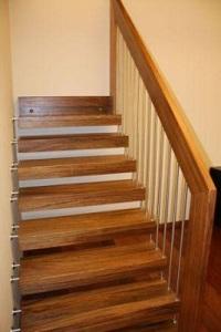 Voorbeeld houten trap